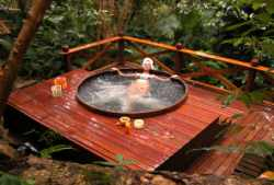 Jacuzzi Tuin Ingraven : Hot tub kopen tips en informatie northern lights® the original